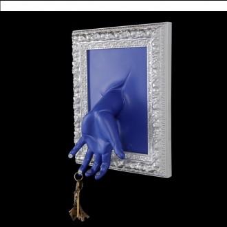 """Ключница """"Картина. Рука на синем"""" 33 × 27 × 11 см (под заказ )"""