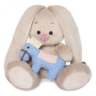 Зайка Ми с голубой игрушкой-лошадкой (малыш) 15 см