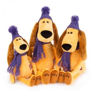 Собака Месье Оскар в зимней шапке и шарфе (25 cм)