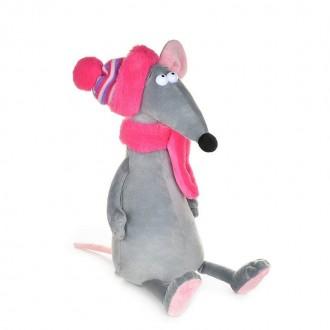 Крыска Лариска в шарфе и шапке (23 см)