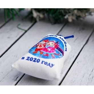 Магнит «Мешочек любви в 2020 году», мышки на льду, 6×8,5 см