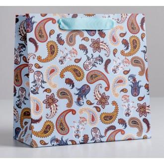 Пакет ламинированный квадратный «Огурцы», 22 × 22 × 11 см