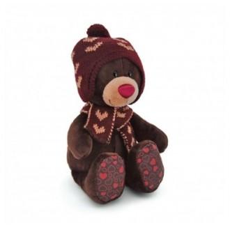 Мишка Choco в вязанной шапке с сердечками (25 см)
