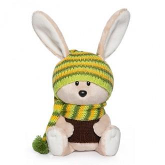 Заяц Антоша в шапочке и свитере (15 cм)