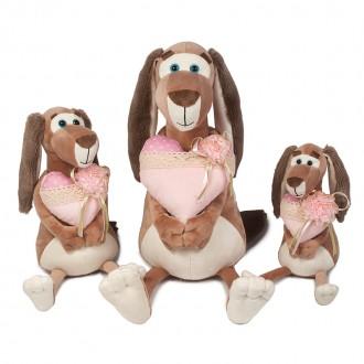Собачка Наденька с сердцем (25 см)