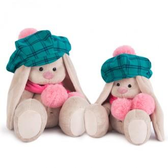 Зайка Ми в зеленой кепке и розовом шарфе (18 см)