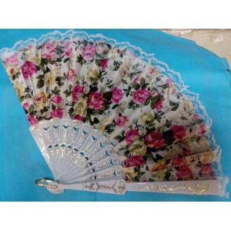 Веер текстильный с кружевом белый